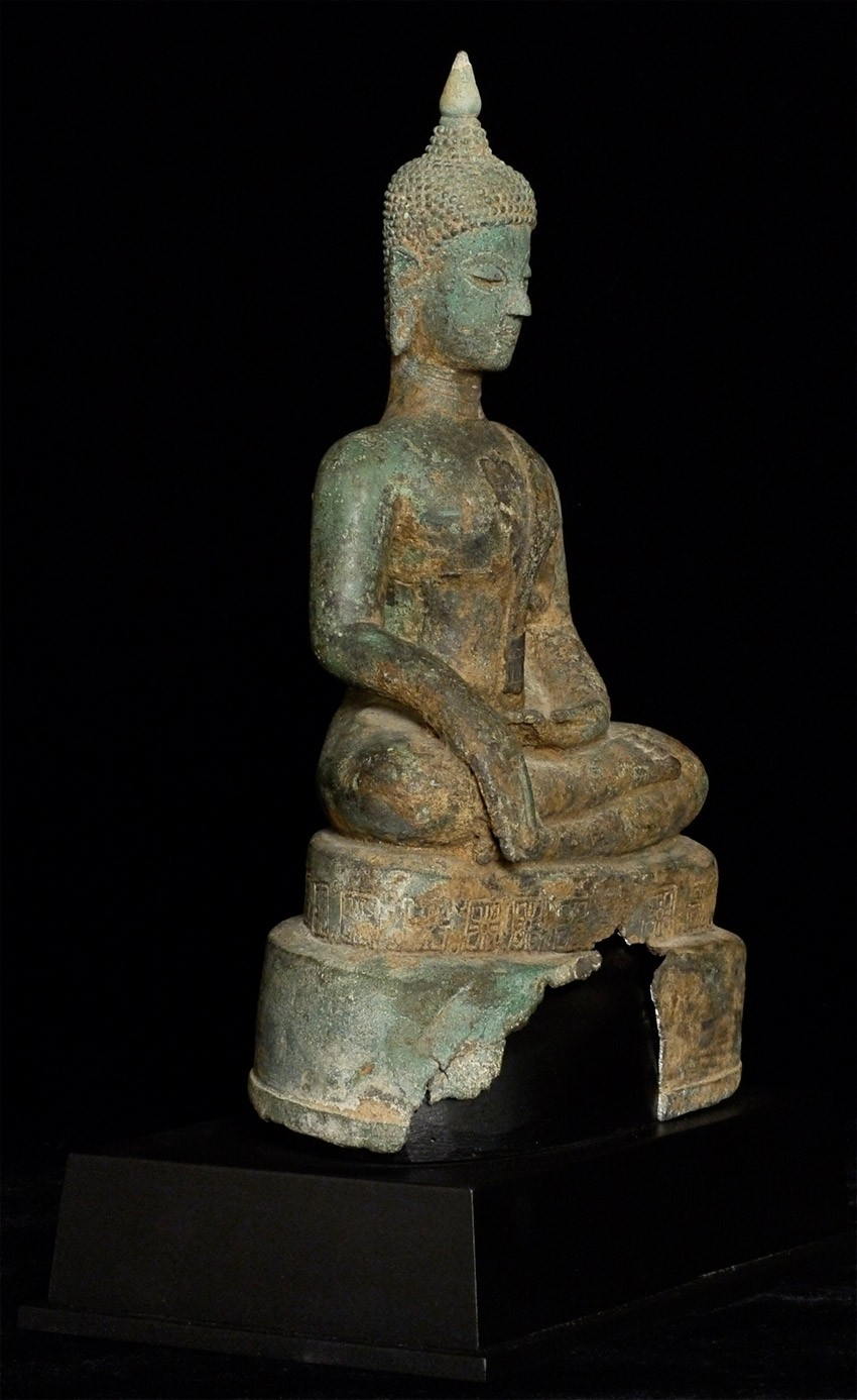 Antique North Thai Buddha statue from Thailand made from Bronze