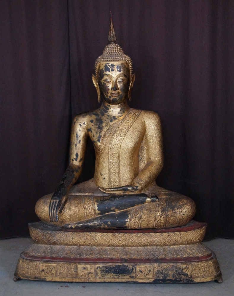 Large bronze Thai Buddha statue from Thailand