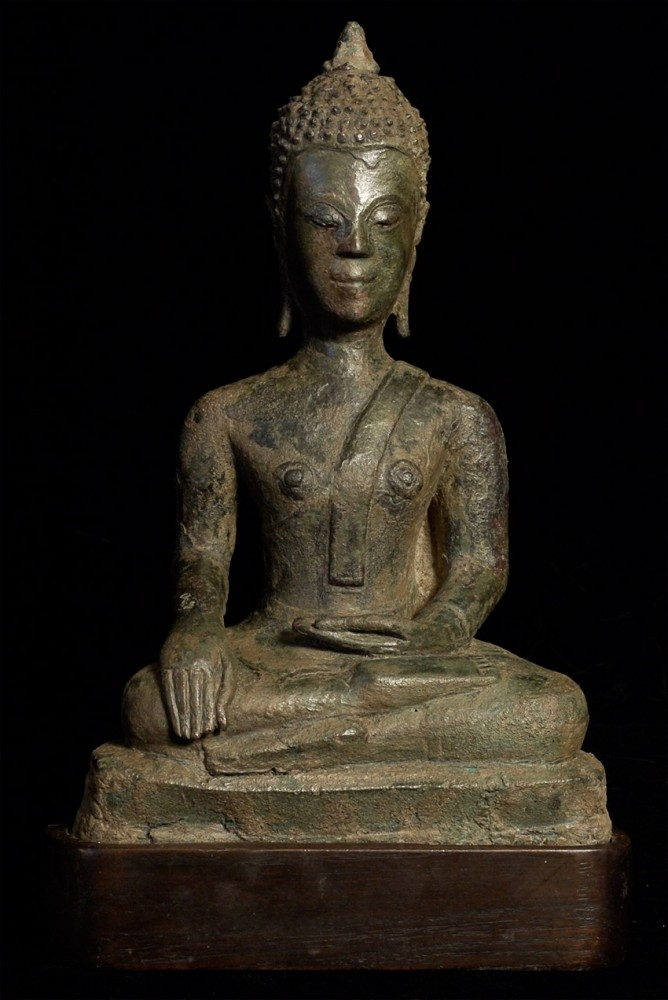 Rare early Fang bronze Buddha from Nothern Thailand