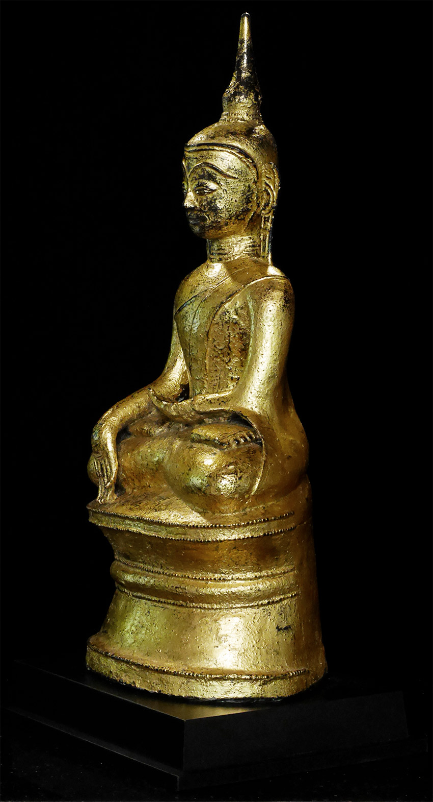Antique Mon Buddha statue from Burma made from Bronze
