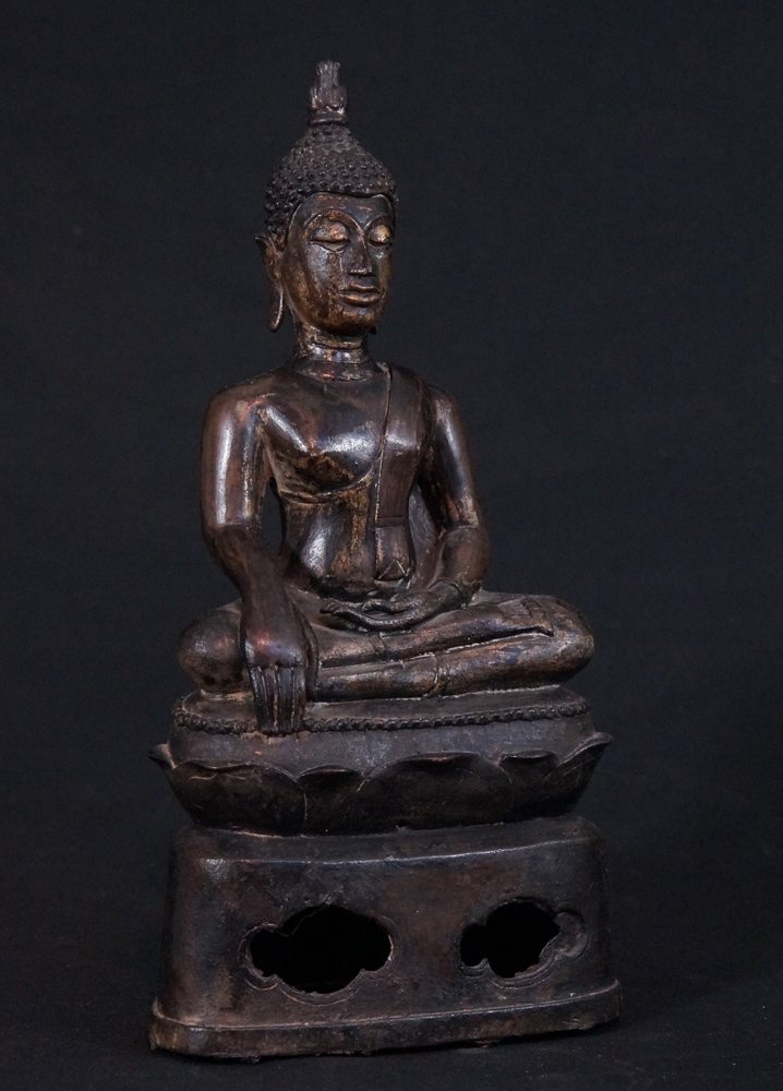 Antique Thai Buddha statue from Thailand made from Bronze