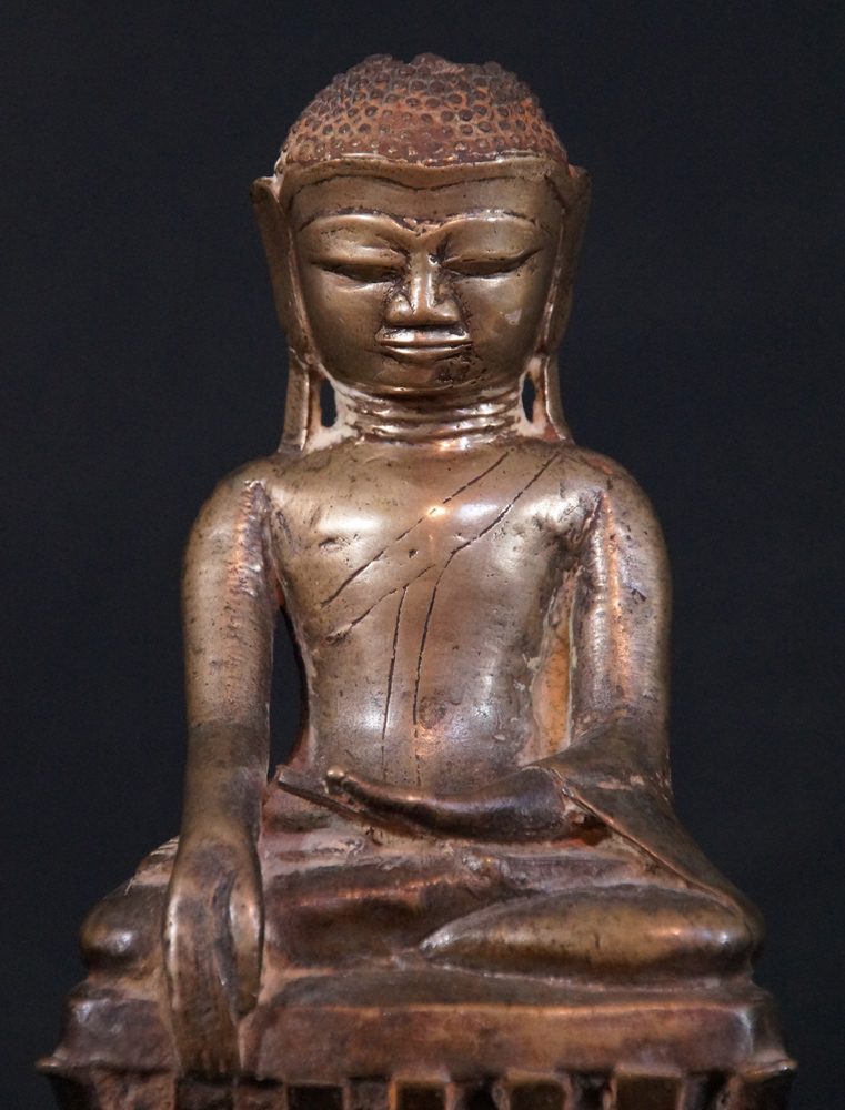 Antique Pinya Buddha statue from Burma made from Bronze