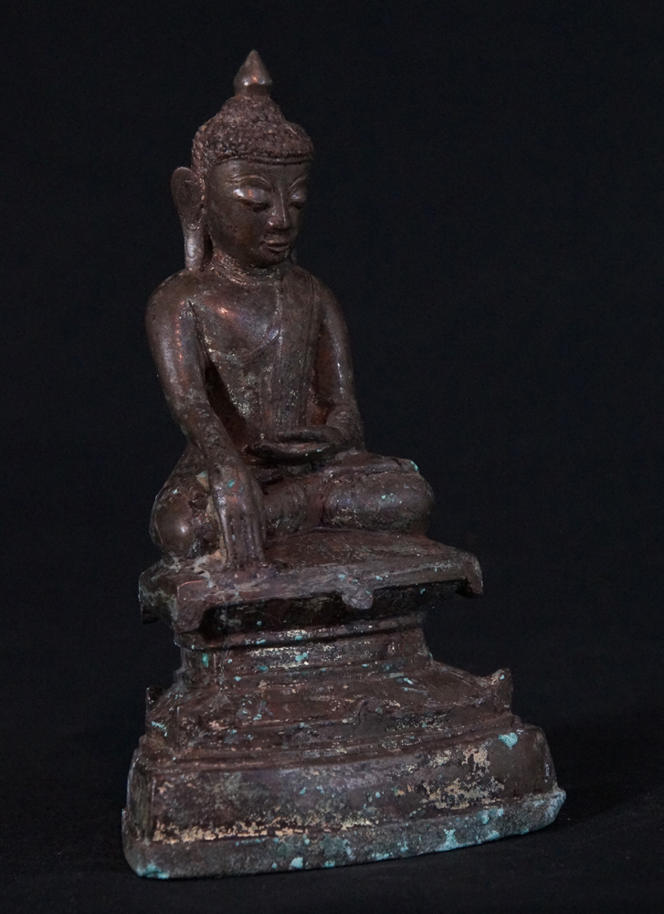 Antique Ava Buddha statue from Burma made from Bronze