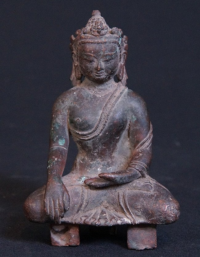 14-15th century Nepali crowned Buddha