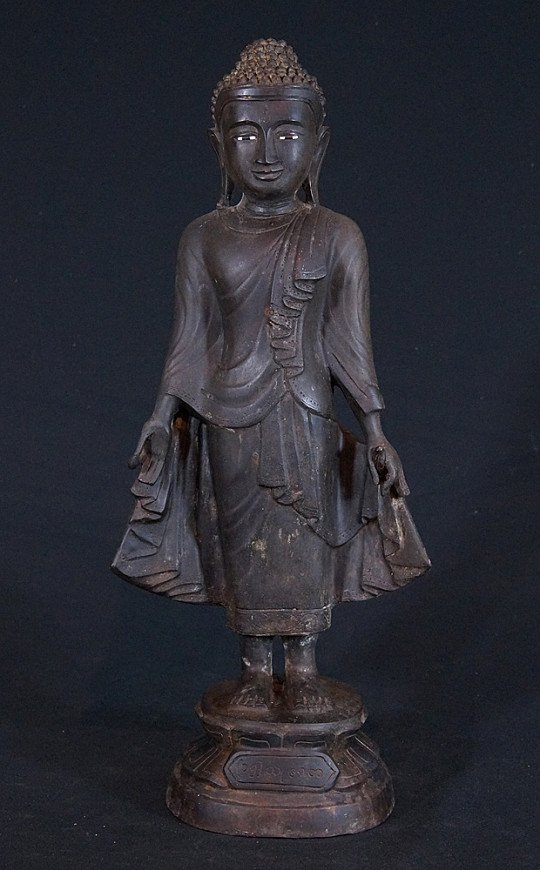 Old bronze Mandalay Buddha