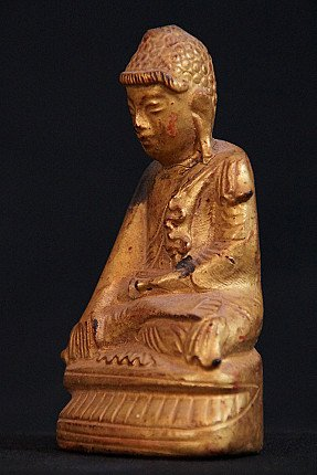 Small antique Shan Buddha