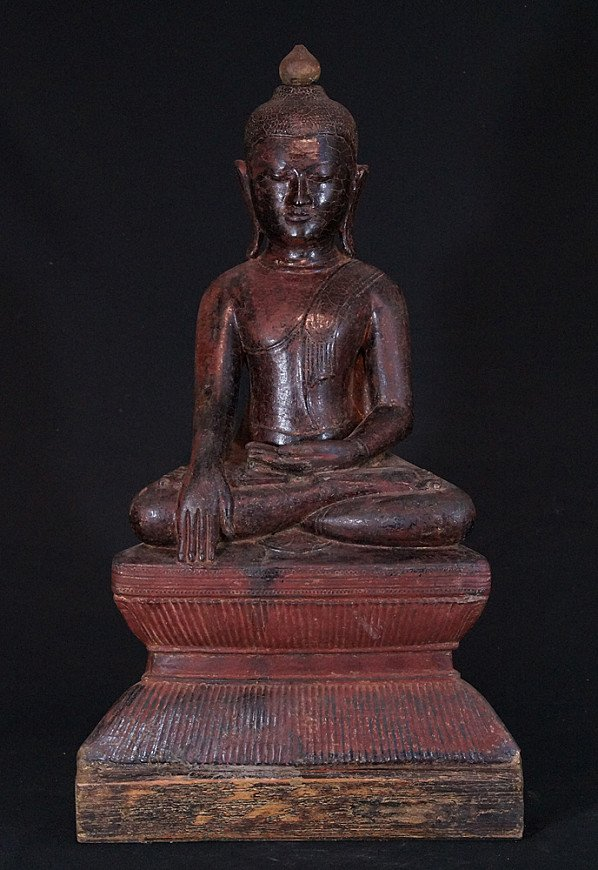 Large 16th century Buddha