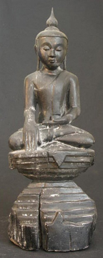 Antique sitting Buddha