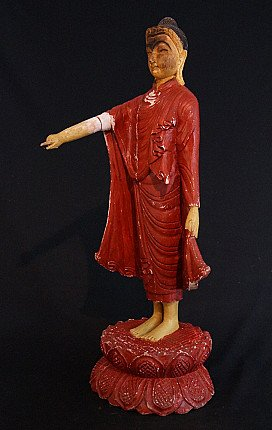 Alter holzerner Buddha