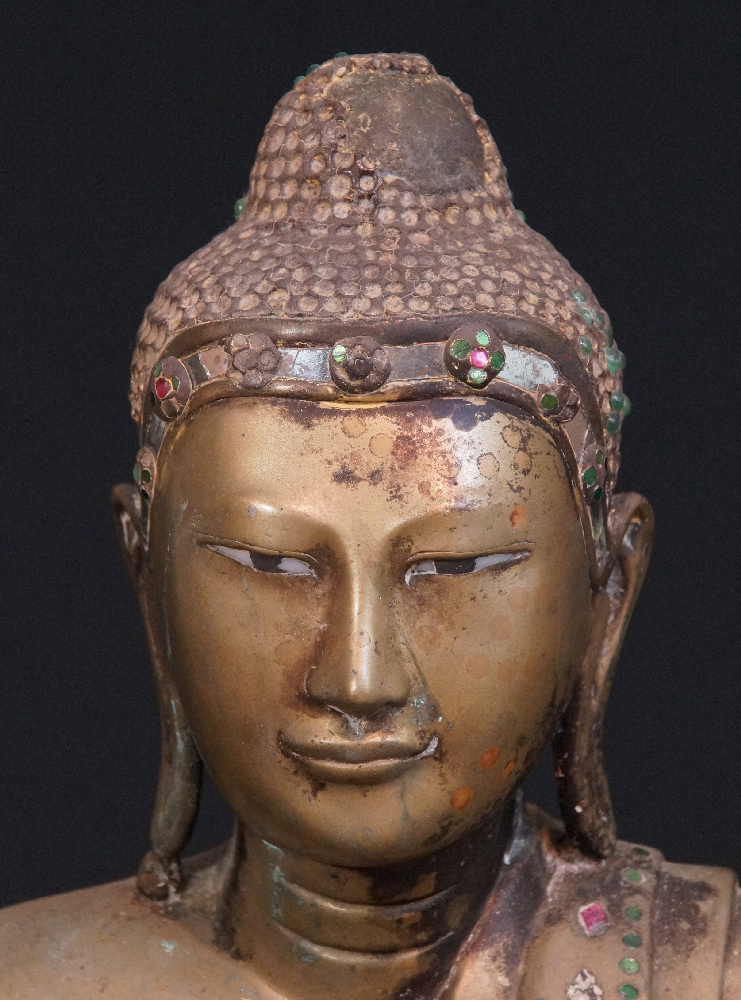 Antique Mandalay Buddha from Burma made from Bronze