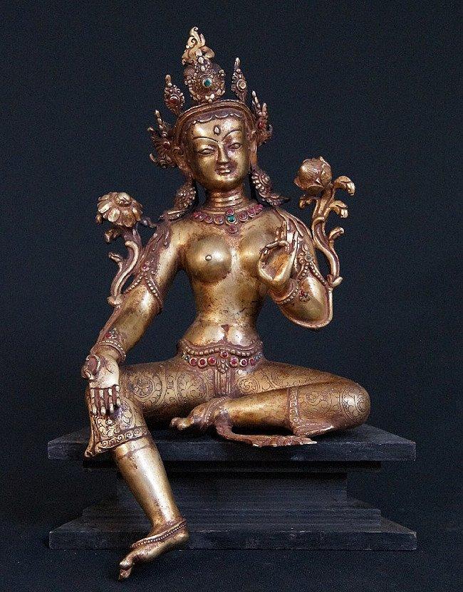Old Nepali Tara statue