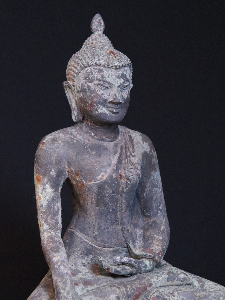 Old bronze Pagan Buddha from Burma made from Bronze