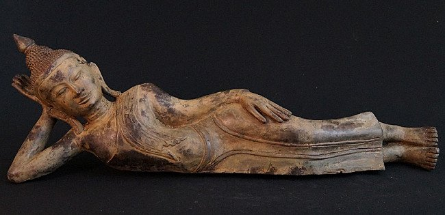 Bronze reclining Buddha