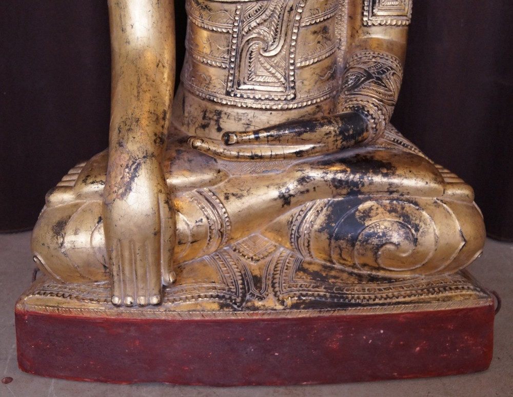 Antique lacquer Shan Buddha from Burma made from lacquer