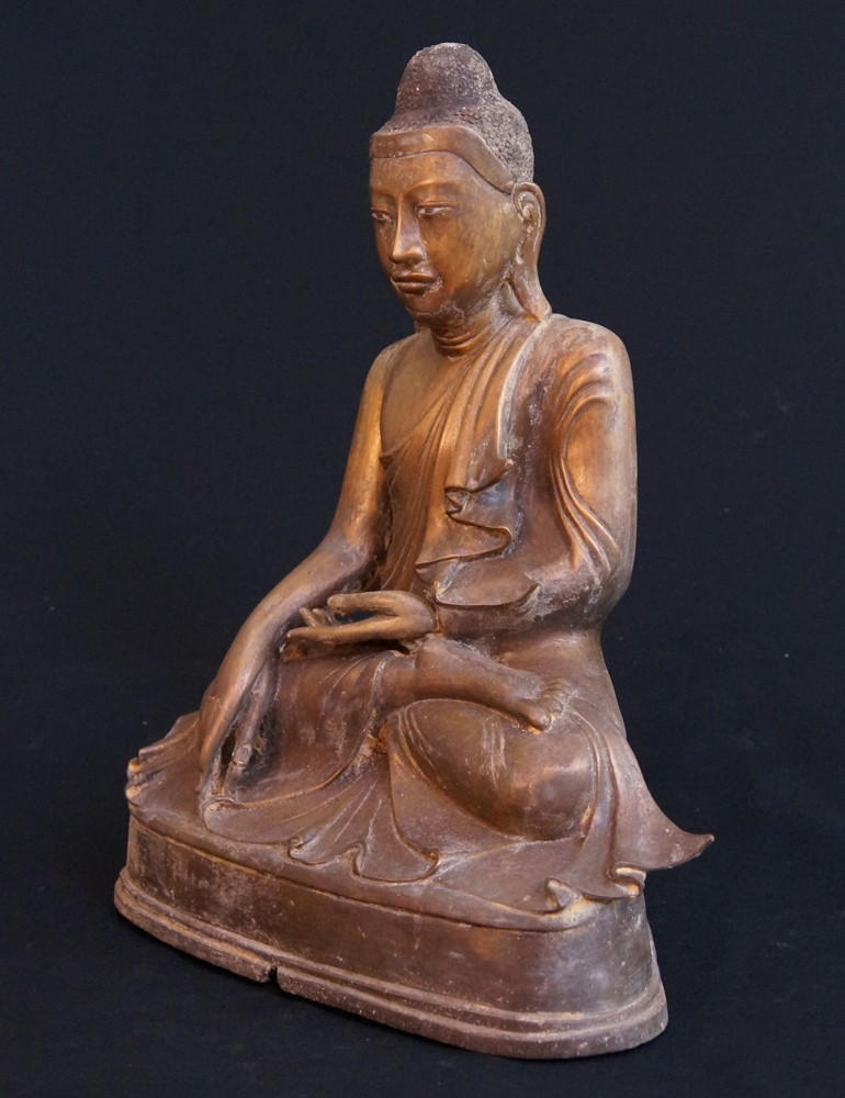 Bronze Mandalay Buddha from Burma made from Bronze