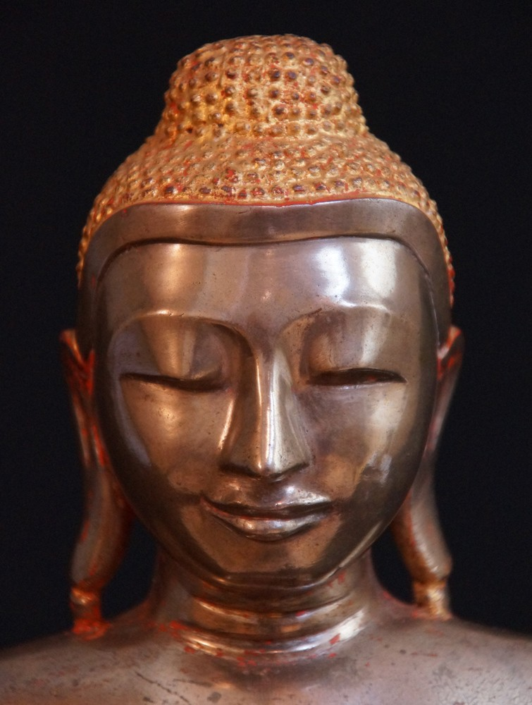 Bronze Arakan Buddha from Burma made from Bronze