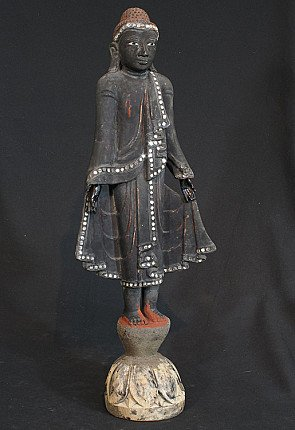 Antieke staande Boeddha