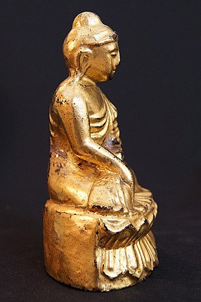 Lacquered wooden Buddha