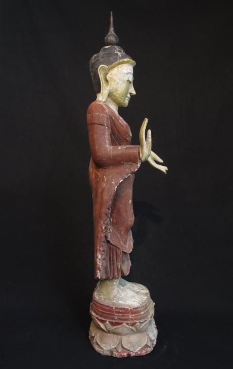 Alter stehender buddha figur aus birma gemacht aus holz for Buddha figur holz