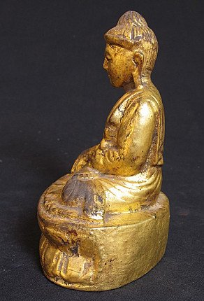 Antique goldplated Buddha