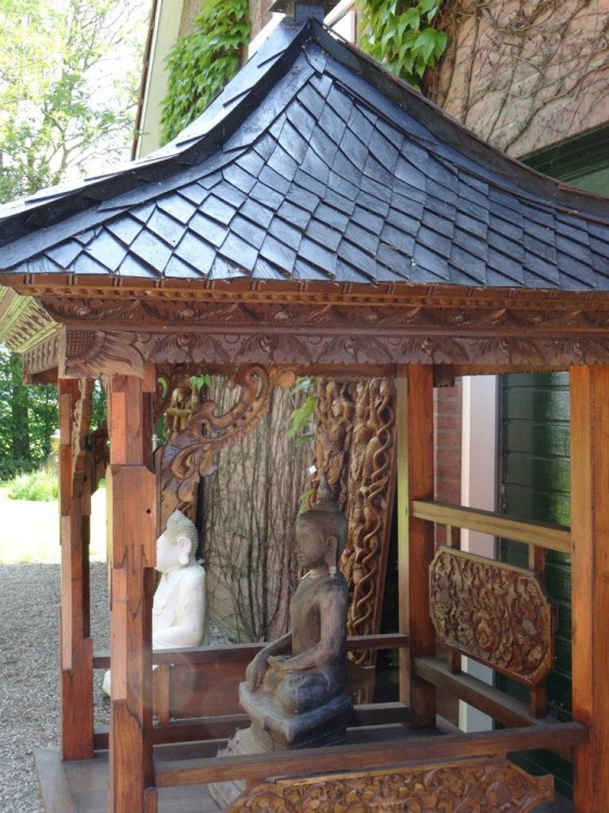 Temple house from Bali from Indonesia made from Wood