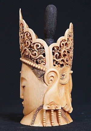 Antique ivory Guan Yin head
